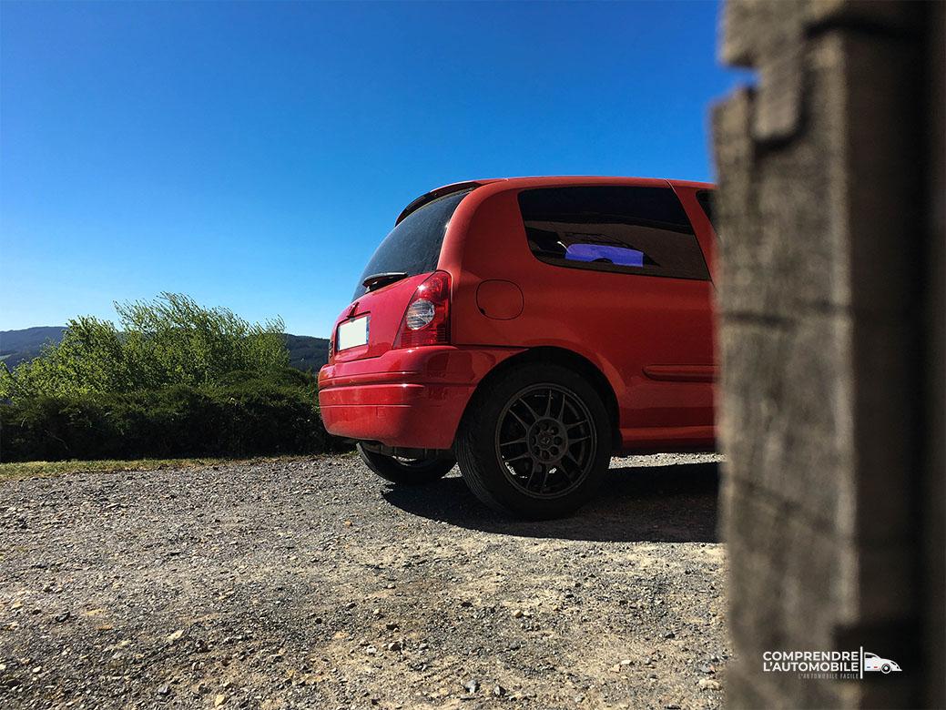 clio 2 rs phase 1 rouge de feu arrière voiture